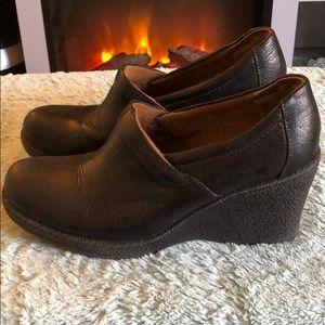 SUPER comfortable wedge shoes, LIKE new. EUC